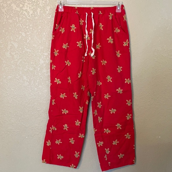 Forever 21 red Christmas gingerbread pajamas size S